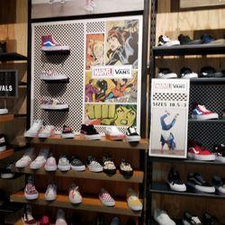 ba3ad253910bf0 Vans - 23 Reviews - Shoe Stores - 200 E Via Rancho Pkwy