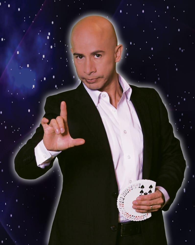 Cesar Domico - Magician