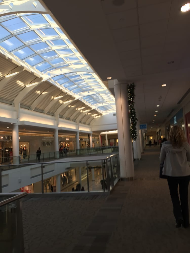 Oct 02, · A visit to Braintree's South Shore Plaza can be a fun, if overwhelming experience, depending personal variables. It is truly a destination and has everything that Minneapolis' Mall of America has - except for the roller-coaster!4/4(50).