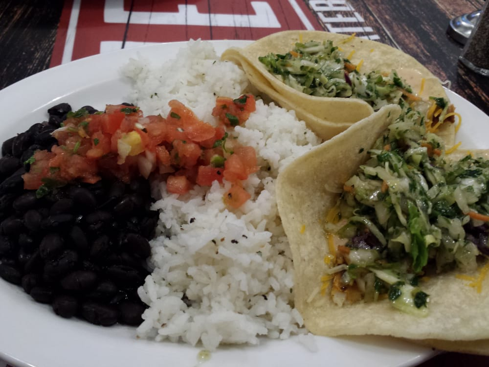Wahoos fish tacos. Spicy fish with white rice and black ... - photo#22