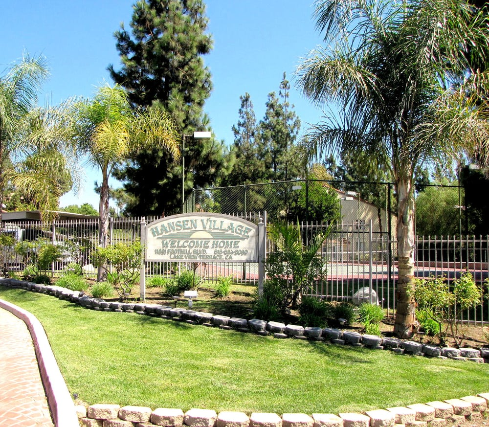 Lakeview Terrace Apartments: 11821 Foothill Blvd, Lake