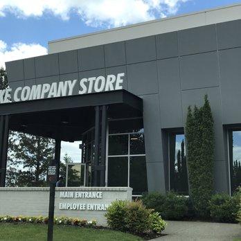 nike employee store