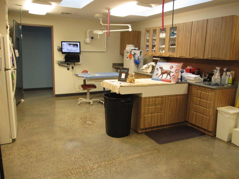 Fox Run Animal Hospital: 3390 S Lapeer Rd, Metamora, MI