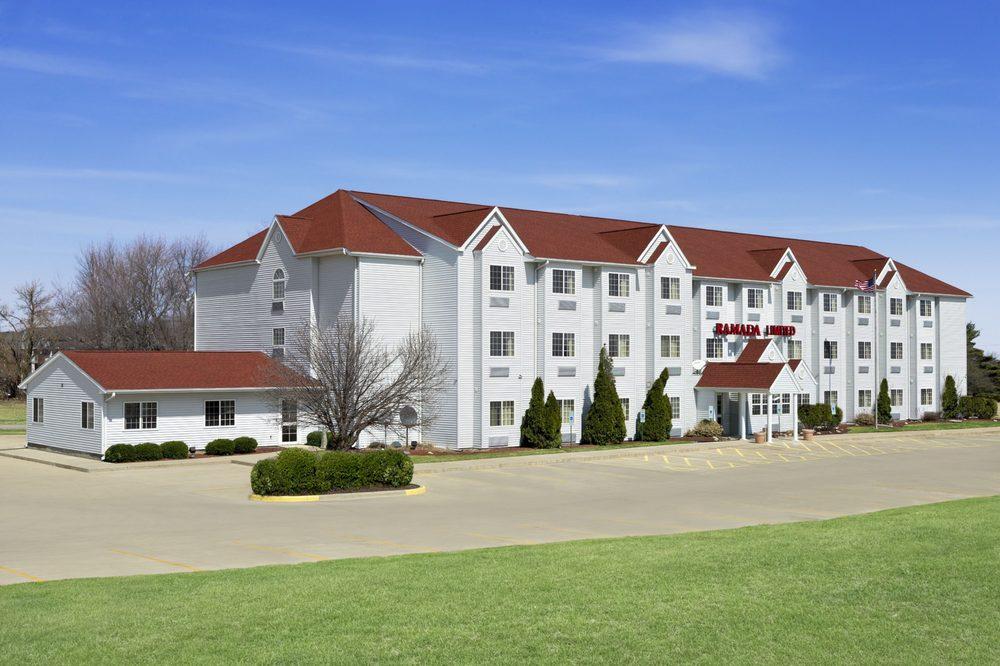 ramada limited bloomington 13 reviews hotels 919. Black Bedroom Furniture Sets. Home Design Ideas