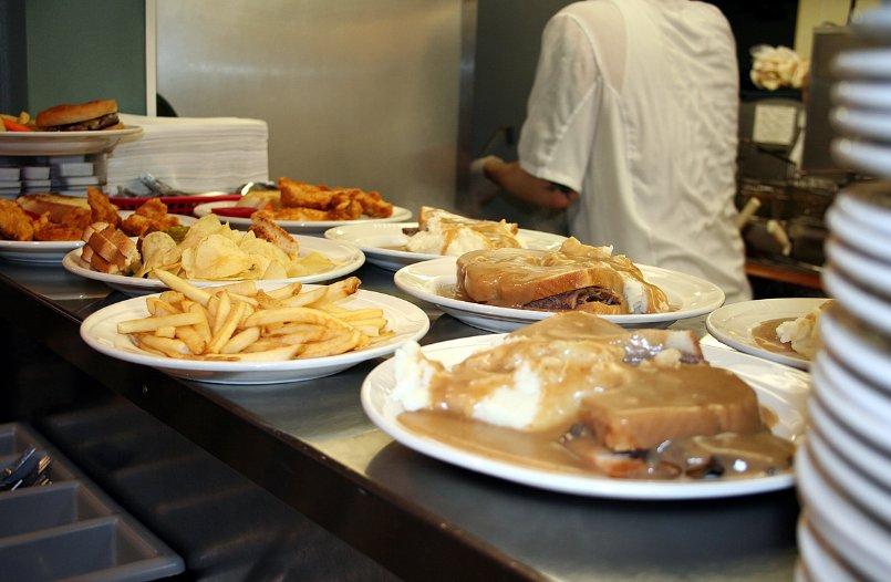 Kenny's Oak Grill: 307 W Oakland Ave, Austin, MN