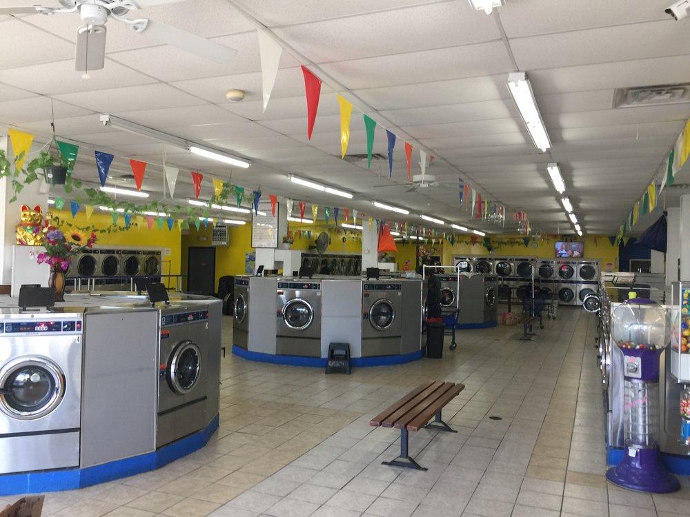 Laundry Plus: 2407 Fairfield Ave, Bridgeport, CT