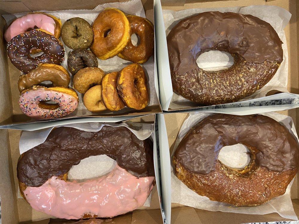 Round Rock Donuts: 106 W Liberty, Round Rock, TX