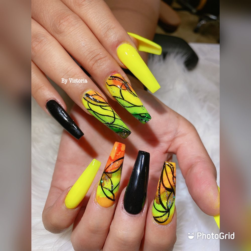 In Style Nails: 1810 E Main St, Woodland, CA