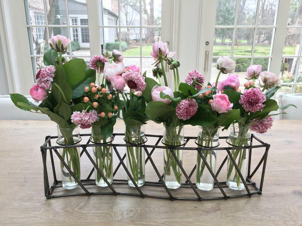Ceciel's Flowers: 521 Park Dr, Kenilworth, IL