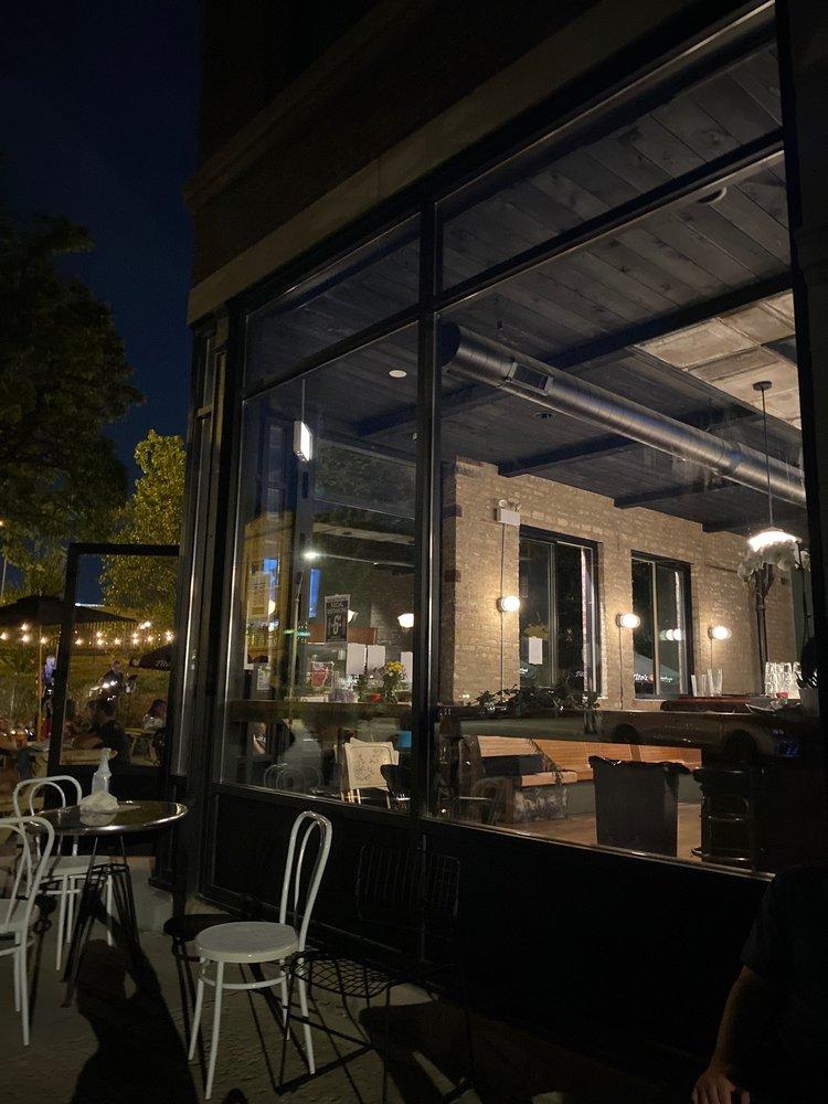 The Leavitt Street Inn & Tavern: 2345 N Leavitt St, Chicago, IL