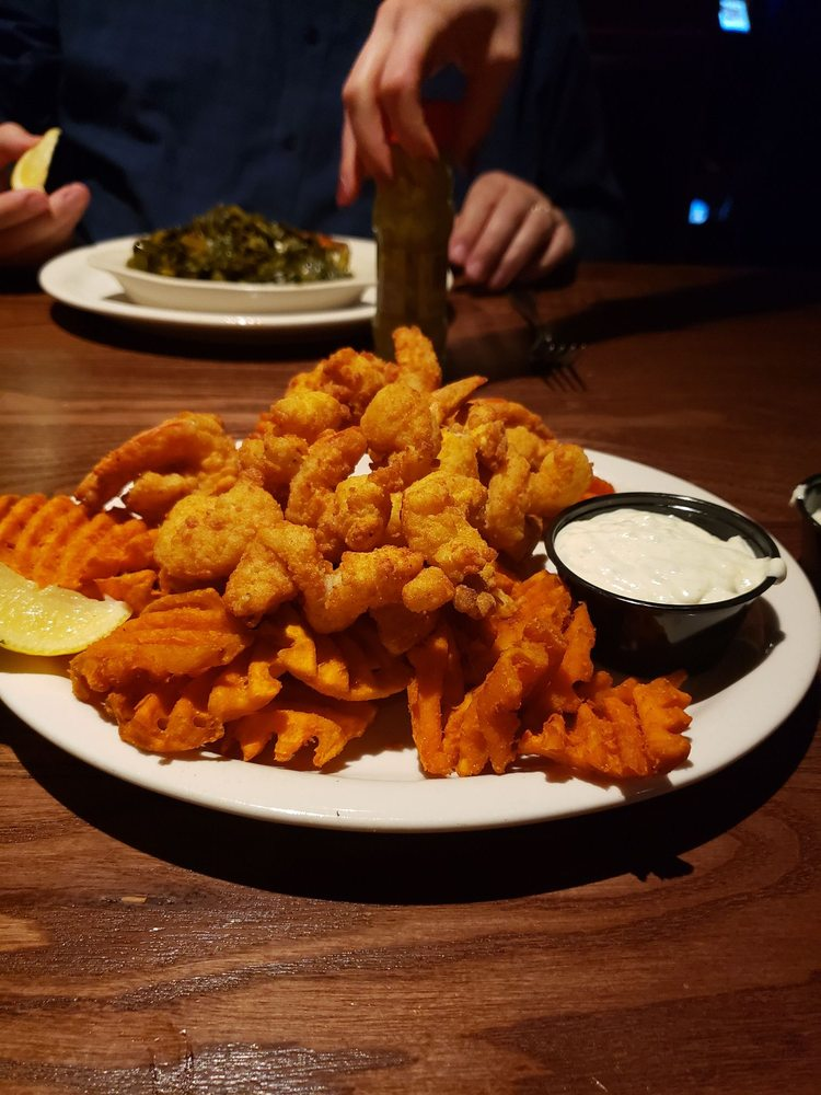 J.R. Cash's Grill and Bar: 502 Lexington Ave, Chapin, SC