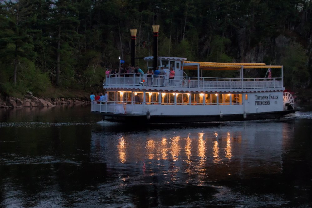 Taylors Falls Scenic Boat Tours: 220 South St, Taylors Falls, MN