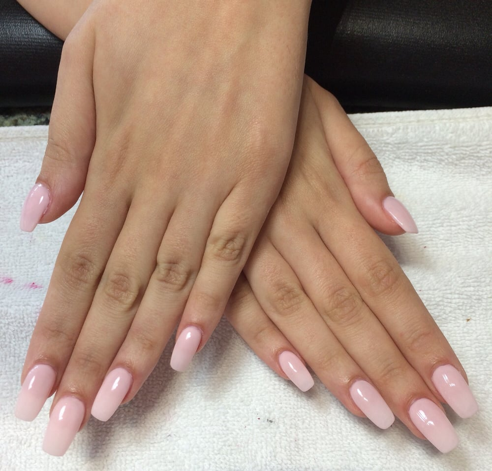 Light pink coffin nails, so natural looking although they are ...