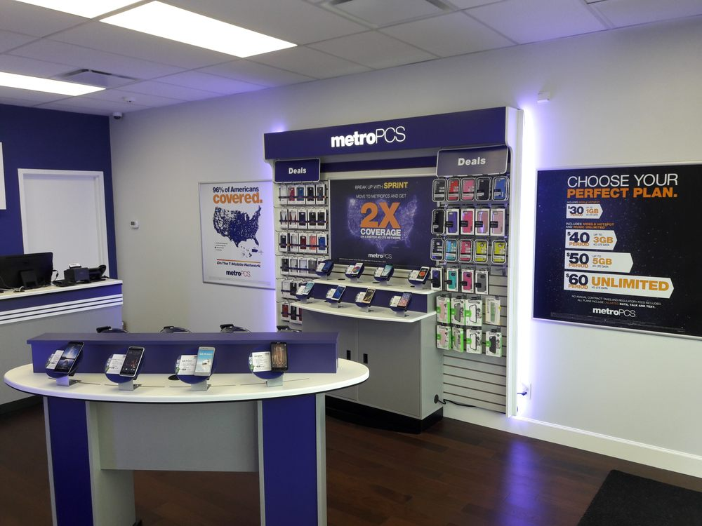 MetroPCS: 3838 Sunrise Hwy, Seaford, NY