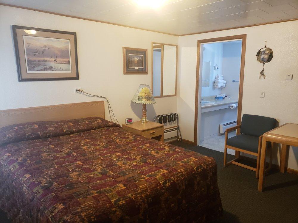 Antler Motel: 1116 N 6th St, Greybull, WY