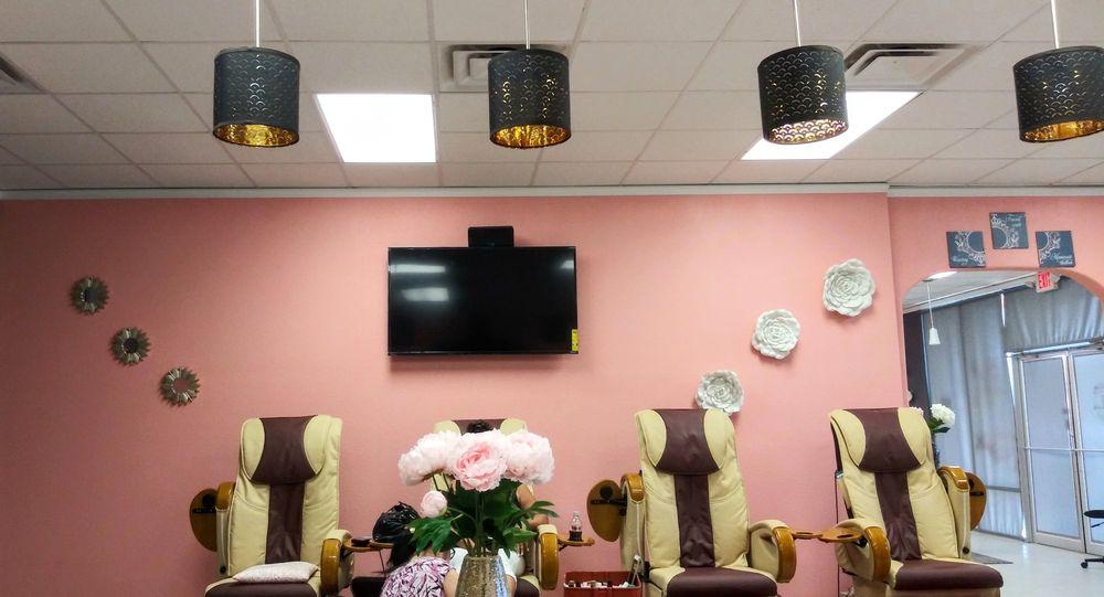 Luxury Nail Spa: 1710 Canyon Creek Dr, Temple, TX