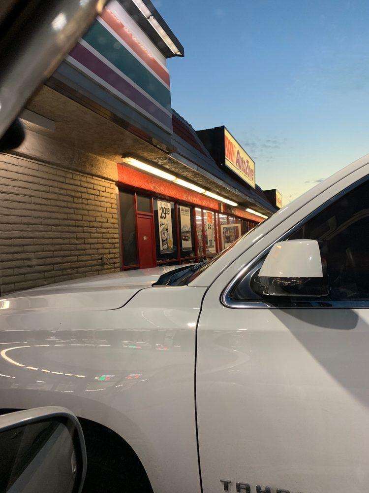 AutoZone Auto Parts: 2502 W Burbank Blvd, Burbank, CA