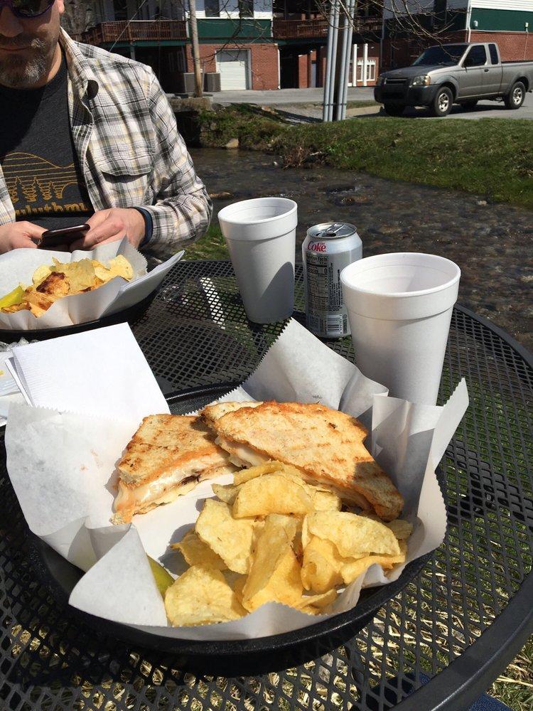 Gap Creek Coffee House: 710 Pinnacle Aly, Cumberland Gap, TN
