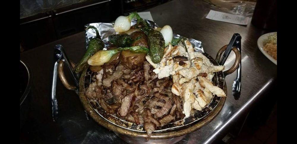 Las Vigas Steak Ranch: 180 W Loma St, Nogales, AZ