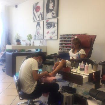 New Happy Nails 19 Reviews Nail Salons 3800 South Tamiami Trl