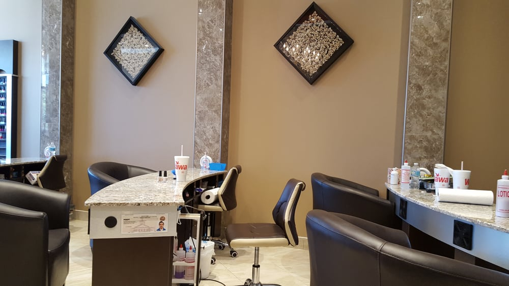 LG Nails & Spa: 5020 E Bay Dr, Clearwater, FL