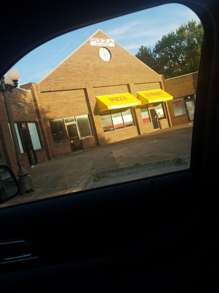 Pizza Street: 1055 W Audie Murphy Pkwy, Farmersville, TX