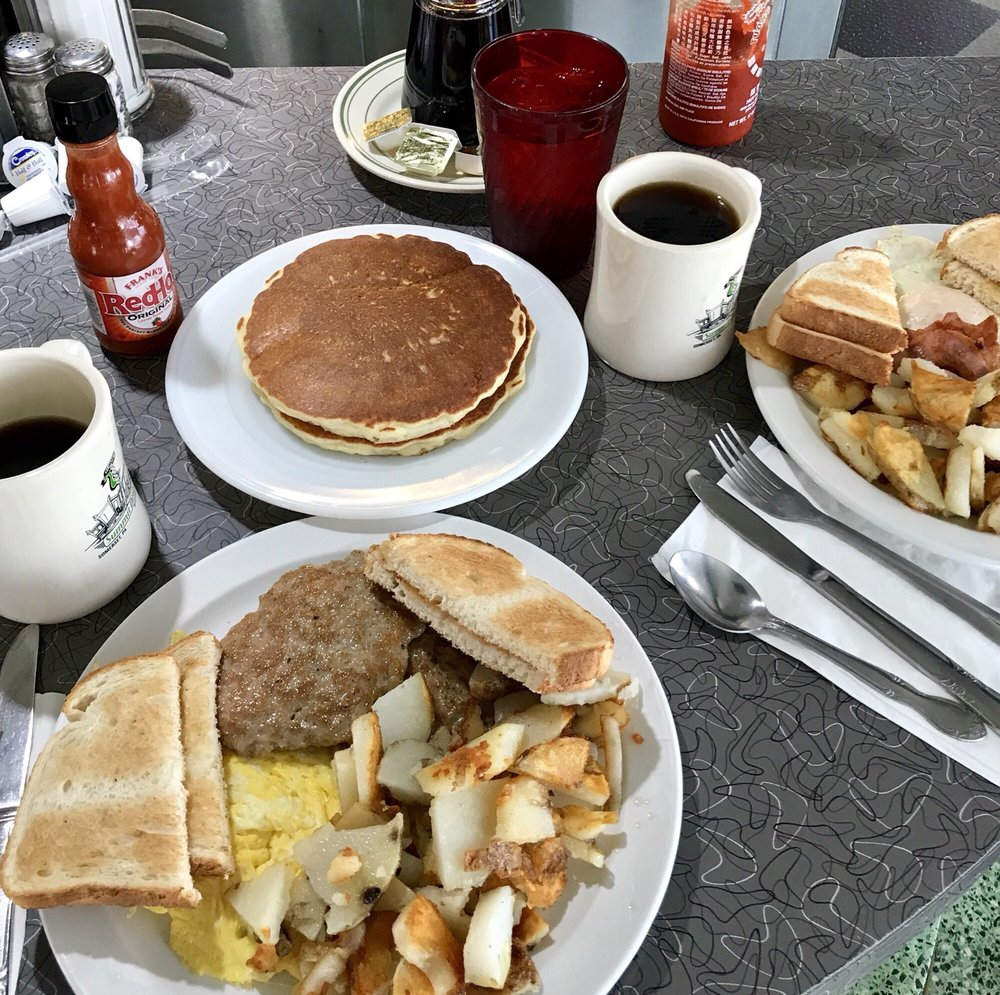 Summit Diner: 791 N Center Ave, Somerset, PA