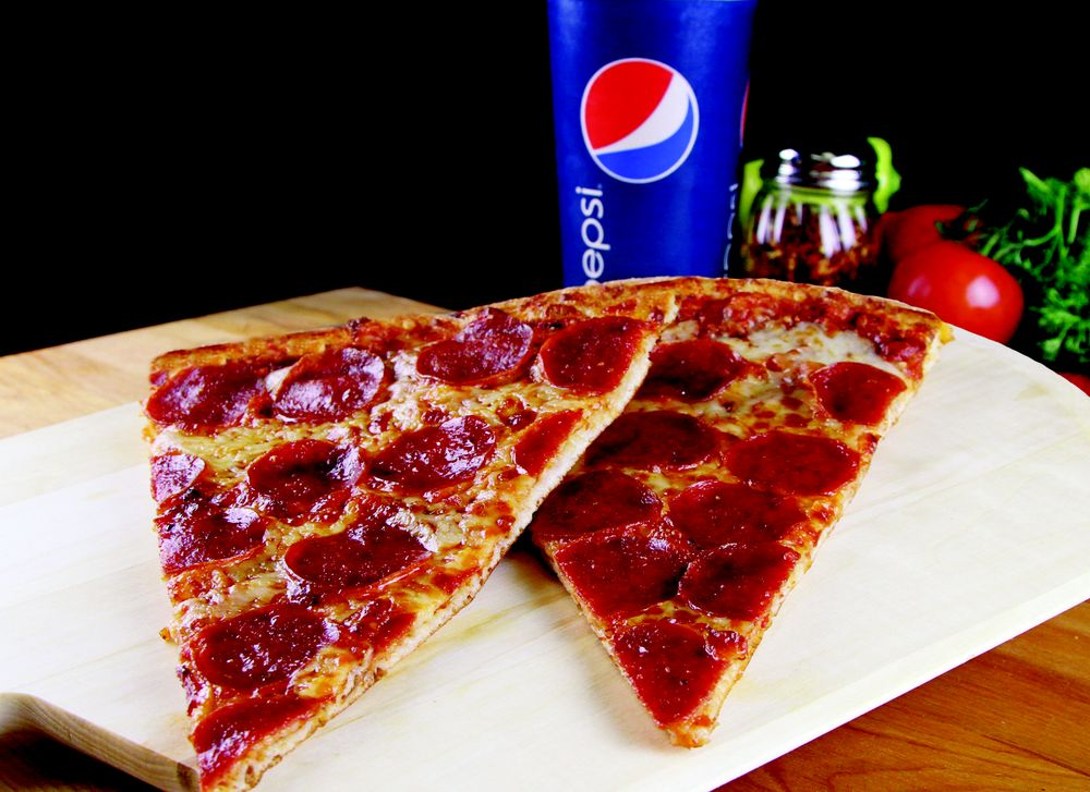 Husson's Pizza: 4010 MacCorkle Ave SW, South Charleston, WV