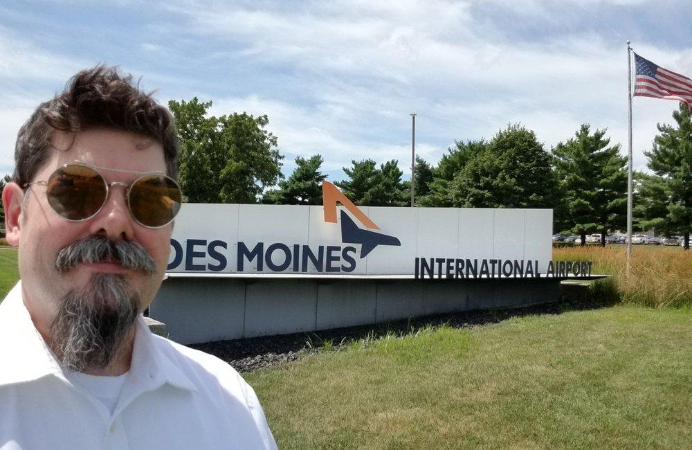 Des Moines International Airport: 5800 Fleur Dr, Des Moines, IA