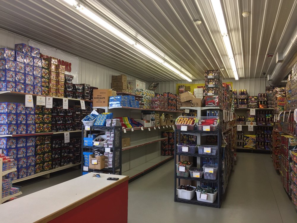 Fat Cat Fireworks: 175 West Hillcrest Rd, Two Rivers, WI