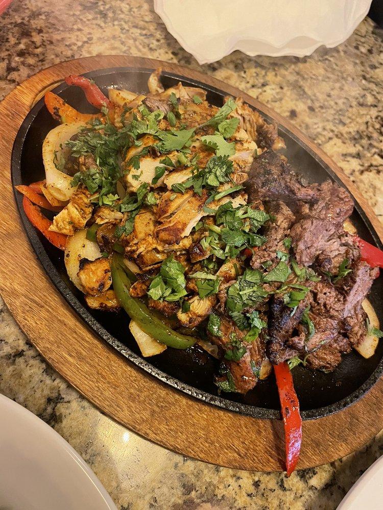 Buffalo Bill's Good Eats: 6310 Dalrock Rd, Rowlett, TX