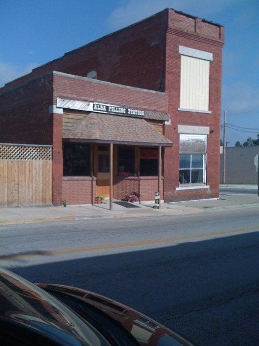 Alba Filling Station: 212 N Main St, Alba, MO