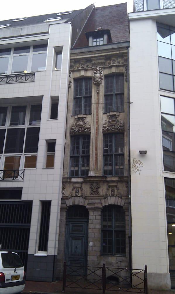 Petite maison landmarks historic buildings rue des for 82 rue brule maison lille