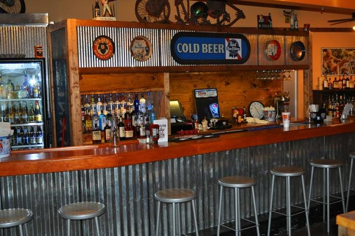 Rodney's Handlebar & Grill: 9110 I-30 Frontage Rd, Little Rock, AR