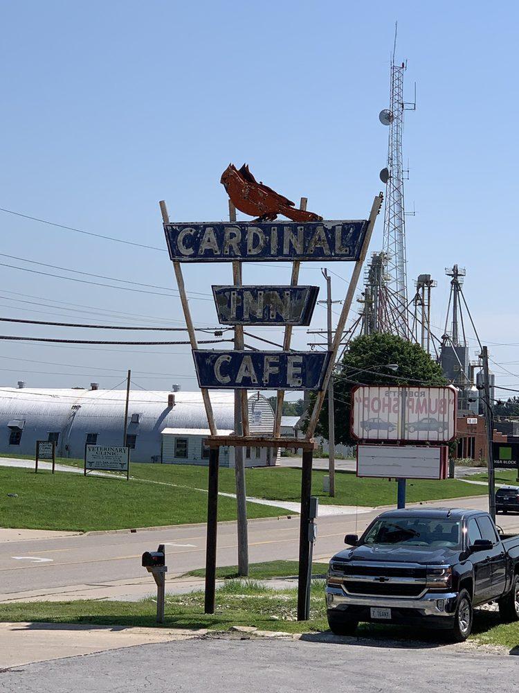 Cardinal Inn: 856 W Washington St, Pittsfield, IL