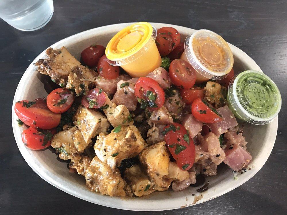 Customized Bowl (Quinoa, kale, mushrooms, broccoli, lemon ...
