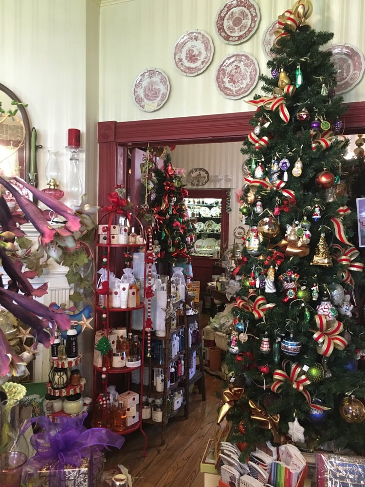 Charlene's Gifts: 401 S William St, Victoria, TX