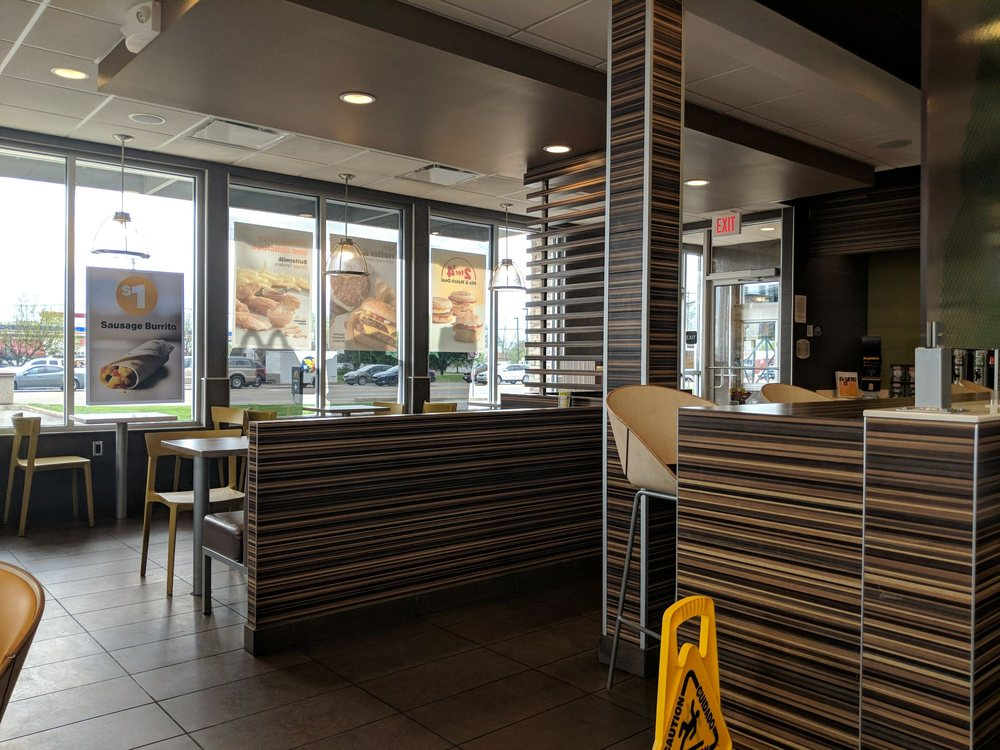 McDonald's: 5056 S Walnut St, South Bloomfield, OH