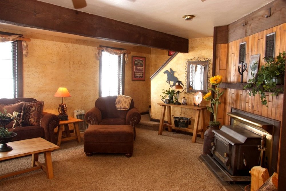 M Lazy C Ranch: 801 County Rd 453, Lake George, CO