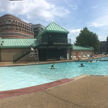 Francis Dc Public Pool 29 Reviews Swimming Pools 2500 N St Nw West End Washington Dc