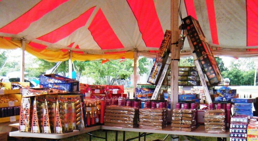 Muret Family Fireworks Farm: 8367 222nd Rd, Winfield, KS