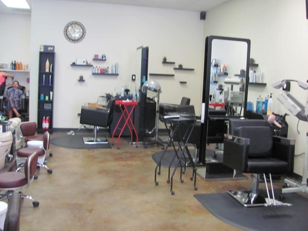 Salon 35: 2207 Hwy 35 N, Rockport, TX