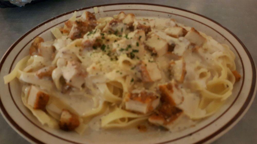 Geraldi's Italian Restaurant: 204 Public Sq, Berryville, AR