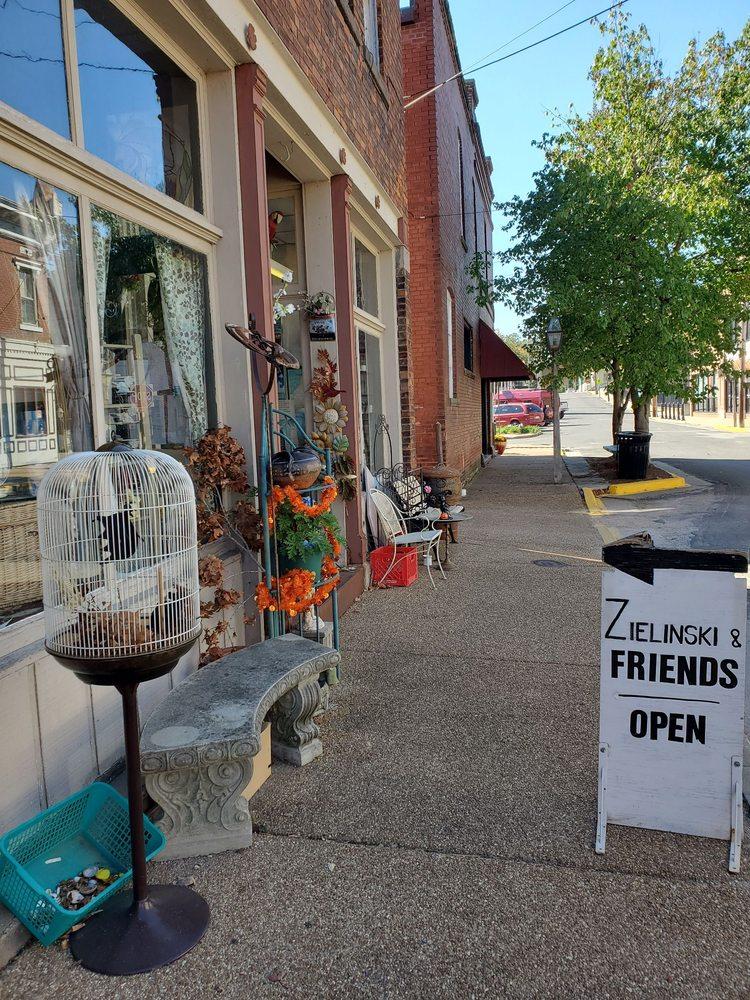 Zielinski: 288 Merchant St, Sainte Genevieve, MO