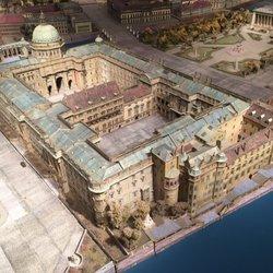 Infocenter Wiederaufbau Berliner Schloss Autolackiererei