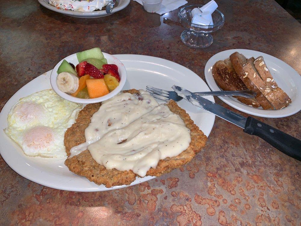 Perko's Cafe: 2120 Patterson Rd, Riverbank, CA