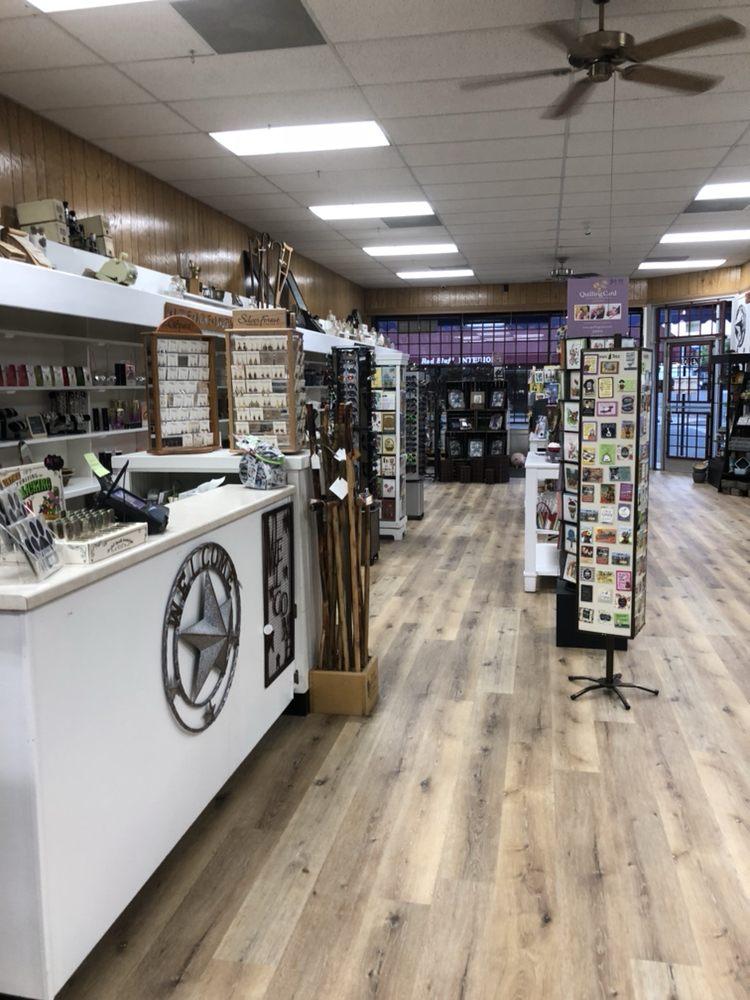 Elmore Pharmacy: 401 Walnut St, Red Bluff, CA
