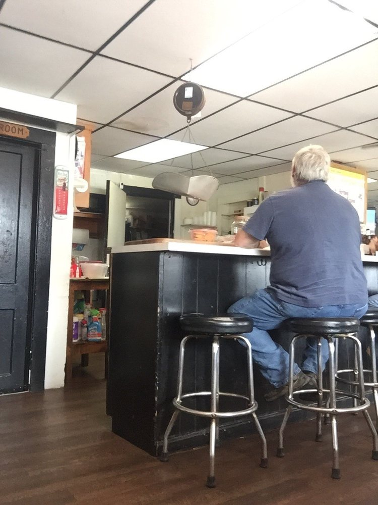 Bowling's Place: 5376 Franklin St, Rocky Mount, VA