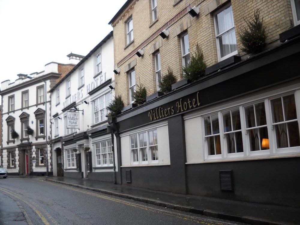Villiers hotels h tels 3 castle street buckingham for Hotel numero 3