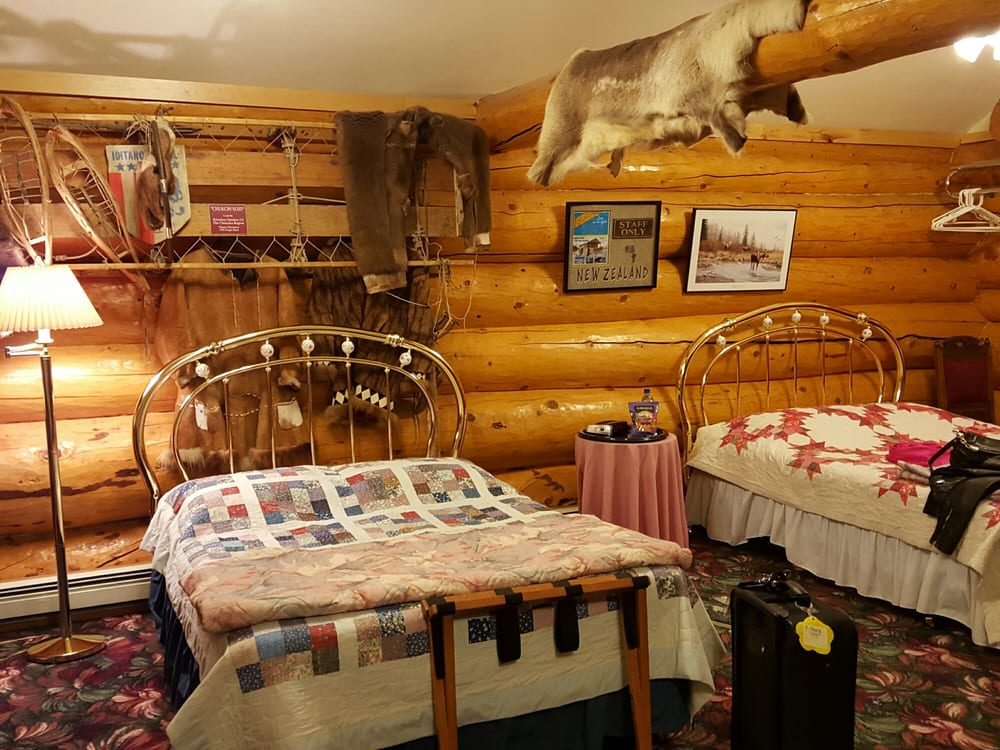 A Taste of Alaska Lodge: 551 Eberhardt Rd, Fairbanks, AK
